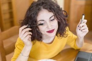 maquillaje-despues-de-la-blefaroplasia